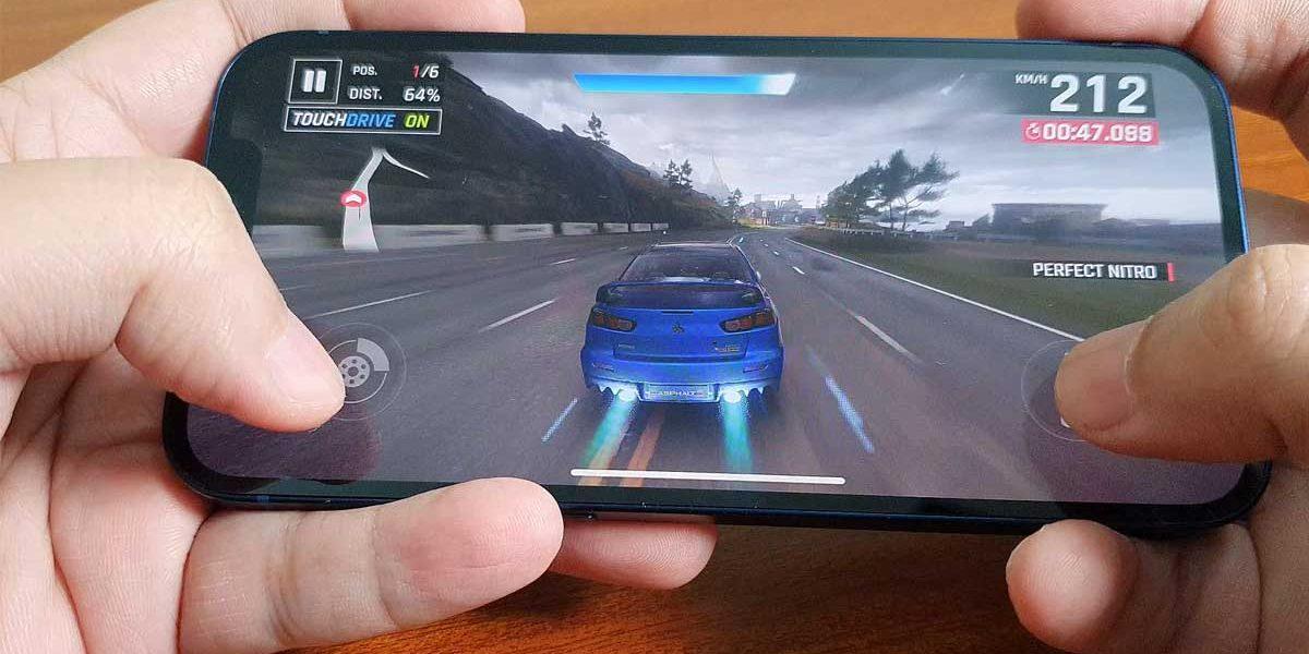 iPhone・iPad でゲームやアプリをダウンロードしよう!
